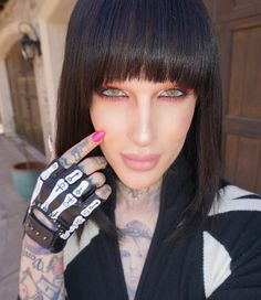 Jeffree Star O_O In case of doubt : it's a man