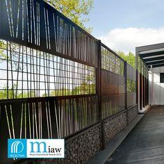 Lookx est une collection de clôtures personnalisables pour jardin et proposée par le fabricant Dirickx. ...
