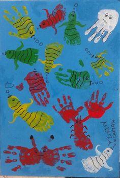 Sous la mer... poissons, crabe, langoustine, méduse mains et pieds de yoan 4ans et gaëtan 13mois