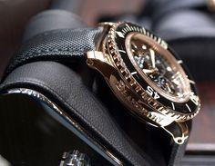 Blancpain Fifty Fathoms Gold/Black Gents Watches, Cool Watches, Rolex Watches, Watches For Men, Diamond Watches, Dream Watches, Wrist Watches, Fifty Fathoms, Steampunk