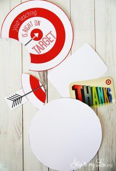 Free printable gift card holder for an easy teacher appreciation gift idea #print #teacher skiptomylou.org