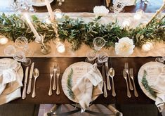 Credit: Chymo & More Photography - tabel (meubels), ornament, couvert, bruiloft receptie, viering, glas, huwelijk (ritueel), mes, catering, zilverwerk, geen persoon, kerstmis, dining, binnenshuis, restaurant, eet- en drinkgerei, banket, luxe (rijkdom)