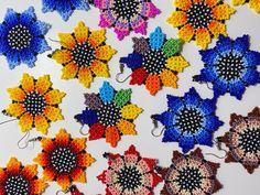 Glass Earrings, Etsy Earrings, Glass Beads, Seed Bead Bracelets, Seed Beads, Diy Crafts How To Make, Sunflower Pattern, Beaded Jewelry Patterns, Flower Bracelet