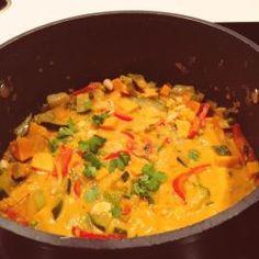 (Vegan) Curry met zoete aardappel, linzen en sperziebonen Veg Recipes, Vegan Recipes Easy, Indian Food Recipes, Asian Recipes, Vegetarian Recipes, Ethnic Recipes, Good Food, Yummy Food, Healthy Food