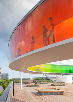 Your Rainbow Panorama, a Rainbow-coloured glass walkway on the roof of the Danish art museum ARoS Aarhus Kuntsmuseum, by Danish-Icelandic artist Olafur Eliasson. Opened 28 May, 2011 Architecture Design, Landscape Architecture, Landscape Design, Museum Architecture, Building Architecture, Architecture Drawings, Amazing Architecture, Aarhus, Glass Walkway