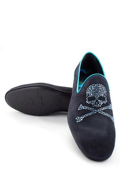 This mocassin is perfect for those who want to add a hint of rock to their outfits. The classic shoe is updated with a skull made of small rhinestones on the front. Wear this pair with jeans or chinos. Browse our complete collection of mens designer clothing with more from Philipp Plein. SS14-SM061438