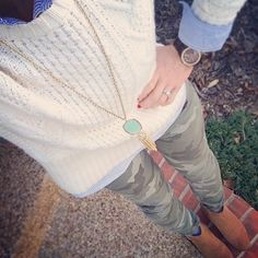 blue button down cream fisherman sweater olive skinnies short cognac boots Fashion 101, Fashion Over 50, Fashion Outfits, Fall Winter Outfits, Autumn Winter Fashion, Winter Style, Fall Fashion, Olive Skinnies, Cream Boots