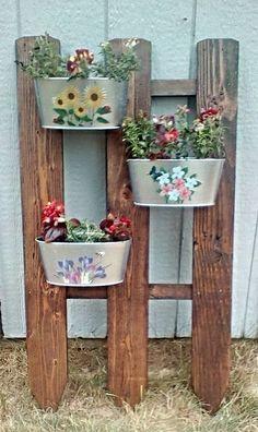 pallet wall planter idea
