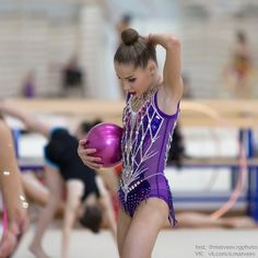 Евгений Матвеев Sport Gymnastics, Rhythmic Gymnastics Leotards, Gymnastics Photography, Contortionist, Poses, Teen, Costumes, Suits, Blue