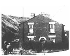 Cottage at the Pottery - Islands Brow - By the burghies and the canal bank (St.Helens Canal) - may have been a cottage associated with lock / swing bridge keeper.