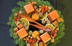 Készíts adventi koszorút! Cheese, Christmas, Food, Advent Wreaths, Decor, Modern, Google, Flowers, Xmas