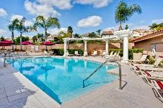 Blue sky, tropical weather and Nice swimming pool to relax and enjoy with your friends!