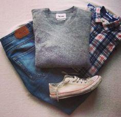 Prendo spunto da outfit postati da vari fashion blogger, amo molto i loro abbinamenti e precisione nei minimi dettagli