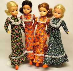 I had something like the dress on the right. Didn't like it though. Too old looking for Sindy- she was much cooler than this dress.