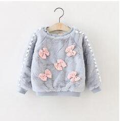 Toddler girl sweatshirt with a bow applique - Kindermode Little Girl Fashion, Kids Fashion, Toddler Girl Outfits, Kids Outfits, Warm Outfits, Baby Winter, Cute Baby Girl, Kenzo, Baby Knitting