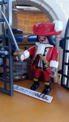Capitán garfio definitivo y permanente