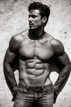 Lucas Gil. that man is #delectable.