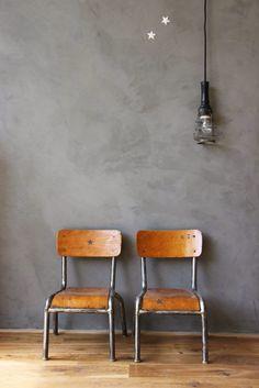 Decorar con antiguas sillas de colegio | Etxekodeco