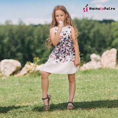 Set de rochii de ocazie mama-fiica Dresses, Fashion, Vestidos, Moda, Fashion Styles, Dress, Fashion Illustrations, Gown, Outfits