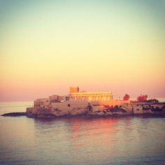 @gabiliciouzz's view from a restaurant in St George's Bay this evening. What a backdrop! Thanks for sharing #malta #travel #sunset │ #VisitMalta visitmalta.com