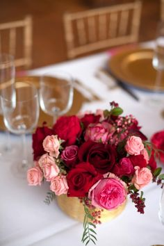 27 popular ideas for rose gold wedding centerpieces floral arrangements Red Bouquet Wedding, Wedding Table Flowers, Wedding Flower Arrangements, Floral Arrangements, Wedding Tables, Gold Wedding Centerpieces, Wedding Decorations, Red Table Decorations, Centerpiece Ideas