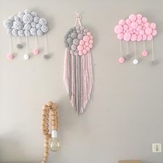 Nursery Ideas For Baby Girls - Interior Decor and Designing Baby Girl Nursery Decor, Baby Room Decor, Bedroom Decor, Pom Pom Crafts, Yarn Crafts, Decor Crafts, Diy Arts And Crafts, Diy Crafts For Kids, Diy Niños Manualidades