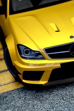 Mercedes-Benz C63 AMG Black Series...