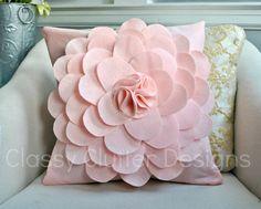 7 Exciting Simple Ideas: Decorative Pillows For Girls Etsy decorative pillows arrangement apartment therapy.Decorative Pillows Couch Paintings white decorative pillows home tours. Felt Flower Pillow, Felt Pillow, Crochet Pillow, Felt Diy, Felt Crafts, Diy Crafts, Handmade Felt, Pink Pillows, Floral Pillows