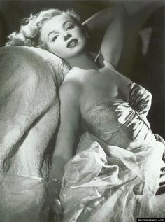 http://moviemaidens.com/profile/1092/Marilyn-Monroe