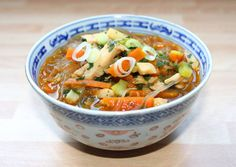 Kínai csirkeleves Clean Recipes, Healthy Recipes, Sweet And Salty, Wok, Soups And Stews, Thai Red Curry, Main Dishes, Food And Drink, Appetizers