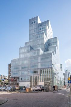 OMA . Timmerhuis . Rotterdam  (1) toren kantoren appartementen terrassen gevel glas zeefdruk berg stedenbouw concept stapeling volume volumeschakeling stadskantoor Koolhaas