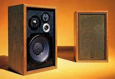 Hifi Audio, Desk Setup, Marshall Speaker, Audio Equipment, Retro Vintage, Speakers, Gadget, Music, Beautiful