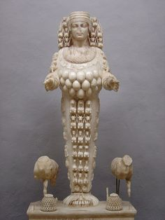 450px-Selçuk_statue_Artemis.jpg (450×600)