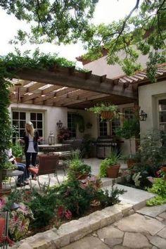 45+ Amazing Outdoor Decoration Ideas For Deck #outdoordecor #deckdesigns #homedecor