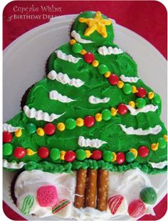 Cupcake Wishes & Birthday Dreams: {Day 12} 12 Days of Cupcakes - Xmas Tree Cupcake Cake Tutorial