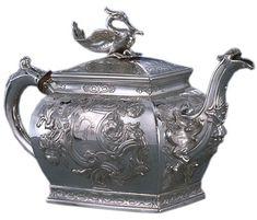 Silver and wood teapot, 1759-1760, Edinburgh, Scotland by Lothian & Robertson. Gift of John H. Hyman: The John A. Hyman Collection.