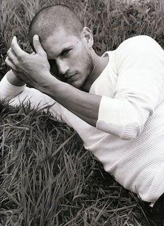 Wentworth Miller. Oh how I miss the Prison Break | http://celebritiesphotograph.blogspot.com