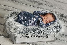 Baby cocoon knit for the Jolley's, professional photographers and my friends