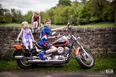 motorbike kids photography - big family cousins photography