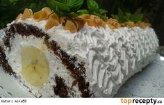 Kakaová roláda s banánem a jogurtovým krémem