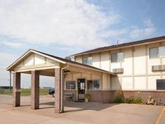 The Super 8 Fort Madison Offers Comfort And Convenience Whether You Re On Business Or Holiday In Ia Hotel A Wide Range Of