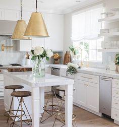 "scoutandnimble on Instagram: ""A simply stunning white kitchen designed by @nicoledavisinteriors. : @mandyoliverphoto"""