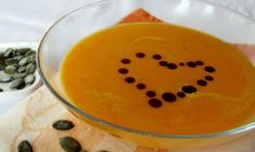 Try 10 of our Best Pumpkin Soup Recipes. These recipes are low calorie and easy to make from pumpkin, fresh or canned. Food Box, Pureed Food Recipes, Soup Recipes, Easy Recipes, Best Pumpkin Soup Recipe, Pumpkin Bisque, Vegan Fitness, Roasted Butternut Squash Soup, Healthy Pumpkin