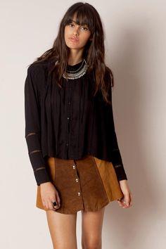 Blusa bonita de manga larga