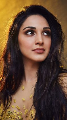 Kiara Advani Beautiful Bollywood Actress, Most Beautiful Indian Actress, Beautiful Actresses, Beautiful Girl Image, Beautiful Gorgeous, Beautiful Models, Indian Actress Images, Indian Actresses, Kiara Advani Hot