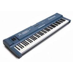 Fatar Studiologic SL990XP Studiologic SL-990XP – это клавишный мастер-контроллер, позволяющий управлять MIDI-инструментами, звуковыми модулями и вспомогательным оборудованием. SL-990XP предоставляет 88-клавишную утяжеленную систему с молоточковым механизмом, которая полностью передает ощущение игры на настоящем рояле 350$ http://musictrade.pro/fatar-studiologic-sl990xp.html #fatar #MIDIkey #piano