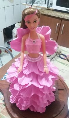 Bonecas Artesanais Escala 1/6 Barbie Com Roupas Em Eva - R$ 87,00 ...