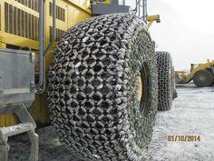 Yokohama OTR tires 45/65-45 http://www.maaslandbanden.be/be/bulldozer-banden/nieuwe/45-65-45-yokohama-y-524-58pr-y-524-l5-rock-extra-deep-tread-with-side-protection
