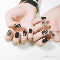 Nail polish strips are an easy way to add designs with tape to your manicure ❤ Here you find great ideas can be easily customized ❤ See more at LadyLife ❤ Dream Nails, Love Nails, Pretty Nails, Glitter Nails, Diy Nails, Kawaii Nails, Toe Nail Designs, Nails Design, Nail Swag