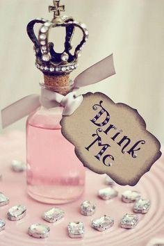 Alice in Wonderland / karen cox. Alice in Wonderland Tags Deco Disney, Alice In Wonderland Tea Party, Mad Hatter Tea, Mad Hatters, Pastel Decor, Princess Wedding, Pink Princess, Wedding Disney, Wedding Favors